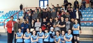 Trabzon'da liselerarası Voleybol İl Birinciliği'nde Beşikdüzü ve Sürmene ekipleri şampiyon oldu