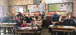Polis ekipleri, Yüksekovalı çocukları sevindirdi