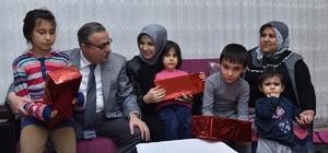 Vali Su, vatandaşların evine konuk oldu