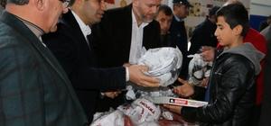 Viranşehir'de öğrencilere kitap dağıtıldı