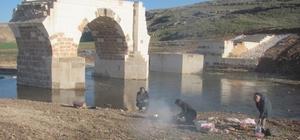 Arabanlılar Şahin'den Tarihi Köprü çevresine aile piknik alanı istiyor