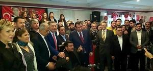 İzmir'de bin 200 kişi MHP'ye katıldı