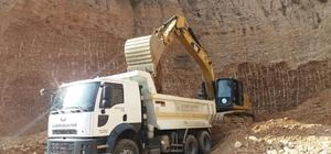 Alaşehir Belediyesi yol çalışmalarına devam ediyor