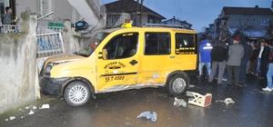 Otomobil ile ticari taksi çarpıştı: 1 yaralı