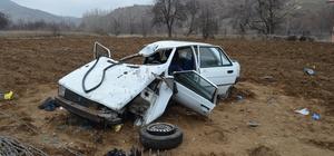 Çankırı'da otomobil şarampole devrildi: 3 yaralı