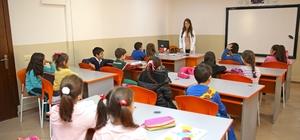 Güngören'in eğitim meşaleleri: Bilgi evleri