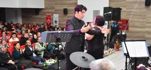 Alaşehir Belediyesi Türk Sanat Müziği Korosu yılın ilk konserini verdi