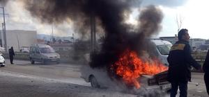 Didim'de seyir halindeki araç yandı