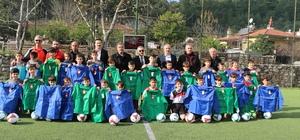 armaris'te amatör spor kulüplerine malzeme desteği
