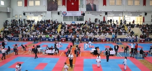 Şehit Emniyet Müdürü Okkan için karate turnuvası düzenlendi
