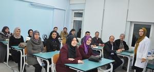 AK Parti İlçe Teşkilatı üyelerine iletişim ve diksiyon eğitimi