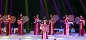 """Hakkari'de """"Kültürlerin Dansı ile Reng-i Hakkari"""" etkinliği"""