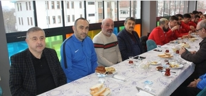 Başkan Akın, Bartınspor yönetimi ve futbolcularıyla kahvaltıda buluştu