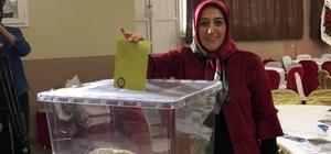 Türkiye'nin ilk ve tek kadın kahveciler odası başkanı yeniden seçildi