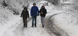 Kırklareli'de kapanan yollar ekiplerce açıldı