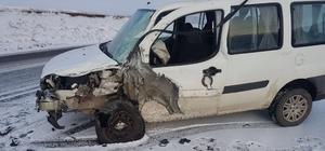 Eleşkirt'te trafik kazası: 3 yaralı