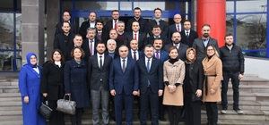 Başkan Ay AK Parti yeni yönetimini ağırladı