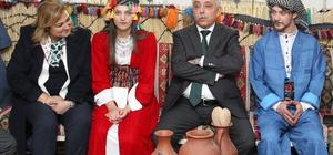 Hakkari'de gençlere yöresel kıyafet ve müzik aleti desteği