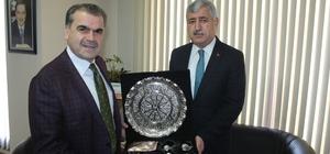 Başkan Polat Türkiye Gazetesini ziyaret etti
