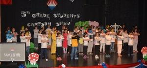 ydın Bahçeşehir Koleji öğrencilerinden İngilizce drama gösterisi