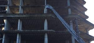 İnşaat halindeki binanın çatısına çıkarak intihar etmek istedi