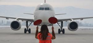 Yüksekova'da bir yılda 154 bin 795 yolcu uçakla seyahat etti