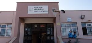 Erdemli Belediyesi'nin okullardaki bakım onarım çalışmaları sürüyor