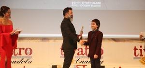 Tiyatro Gazetsi'nden Kocaeli Şehir Tiyatrosu'na ödül