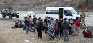 14 kişilik minibüse 71 kişiyi sığdırdılar