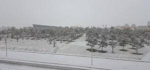 Nevşehir güne kar yağışı ile uyandı