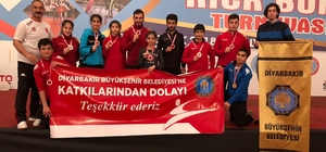 Büyükşehir Belediyesi Kick Boks Takımı 10 madalya kazandı