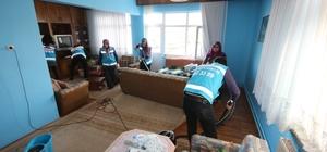 Üniversite öğrencilerinden gönüllü evde bakım hizmeti