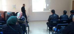 Aslanapa İmam Hatip Ortaokulu'nda velilere madde ve teknoloji bağımlılığı semineri