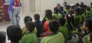 Öğrenciler tiyatro ile tanıştı