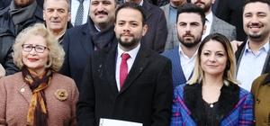 feler AK Parti'nin yeni yönetimi mazbatasını aldı