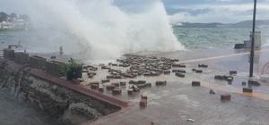 ilas'ta fırtına ve yağmur hayatı olumsuz etkiledi