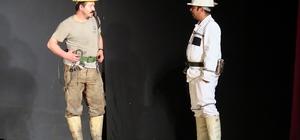 Kahraman madencilerin yaşam mücadelesi, tiyatro sahnesinde anlatıldı