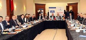 """Karaosmanoğlu, """"Balkanlardan uzak Asya'ya kadar gönül coğrafyamıza el uzatıyoruz"""""""