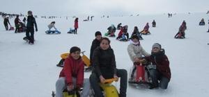 Yozgat Çözüm Koleji öğrencileri Erciyes'te kayak heyecanı yaşadı