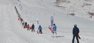 Çaldıran kayak merkezi açıldı