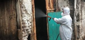 Manisa'da hayvan sağlığı için dezenfekten çalışması