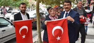 Başkan Çelik'ten Manisalılara bayrak çağrısı
