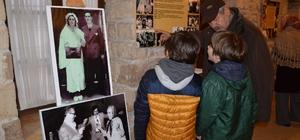 uşadası'nda  'Mübadil Kuşaklar' fotoğraf sergisi ziyarete açıldı