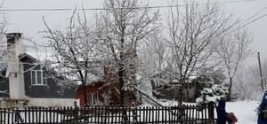 Yüksek kesimlerde kar kalınlığı 5 santimetreyi buldu