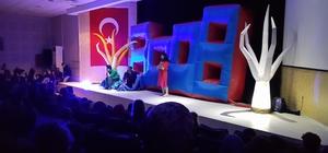 Kartepe'de 'Ali Veli Maria' çocuk tiyatrosu düzenlendi