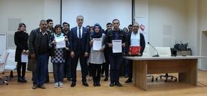 Sosyal hizmetten yararlanan 21 kişiye işe yerleştirilme belgesi