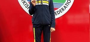 Vanlı Zeynep Türkiye birincisi oldu