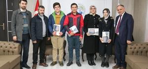 Yahyalı'daki başarılı öğrenciler tabletle ödüllendirildi