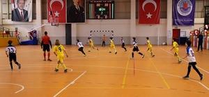Futsalın yıldızları kupalarını aldı