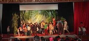İncesu'da tiyatro gösterisine yoğun ilgi